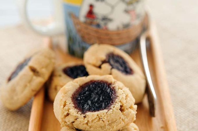 Brown butter, peanut butter and jam cookies