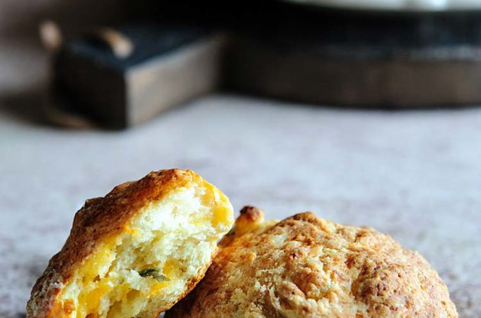 These Cottage Cheese and Jalapeño Rolls are cheesy, spicy, soft and spongy and are easy to make. They are perfect for eating on their own or using in sandwiches | Imagelicious