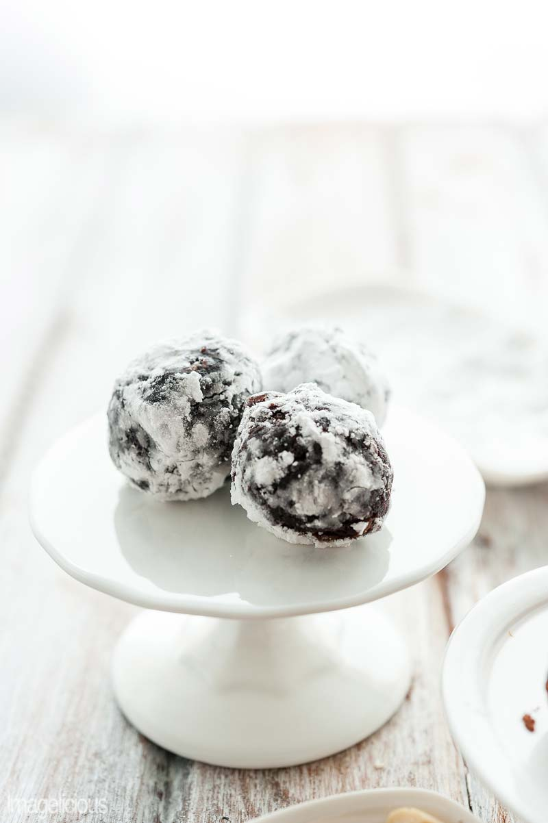 Rum Raisin Cupcake Truffles - Learn how to turn cupcakes into truffles - four different flavours for any taste. Perfect for a snack with a cup of coffee or elegant dessert. Great way to use dry cupcakes | Imagelicious