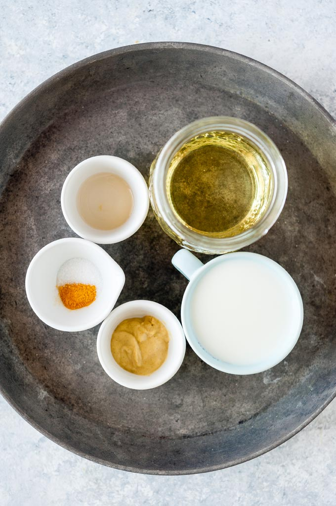 All ingredients to make Eggless Mayonnaise.