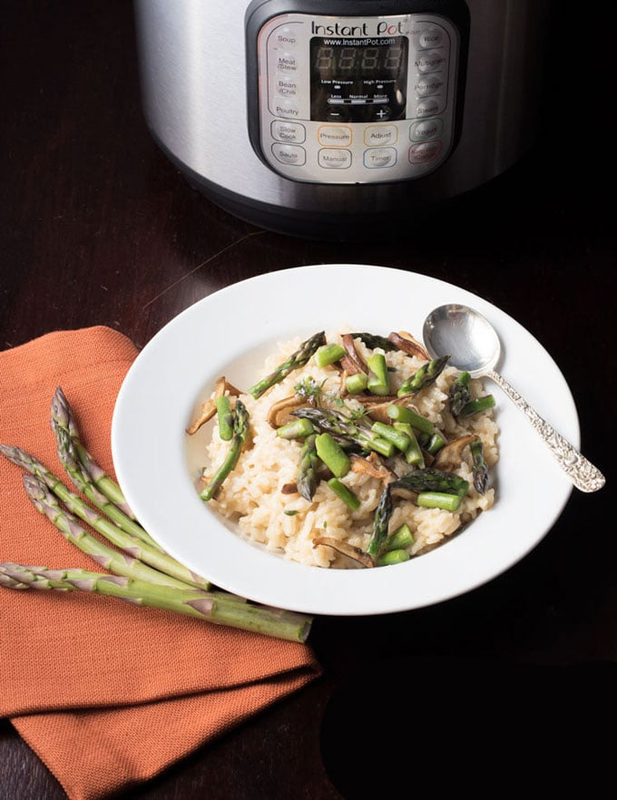 Bowl with Instant Pot Asparagus Risotto.