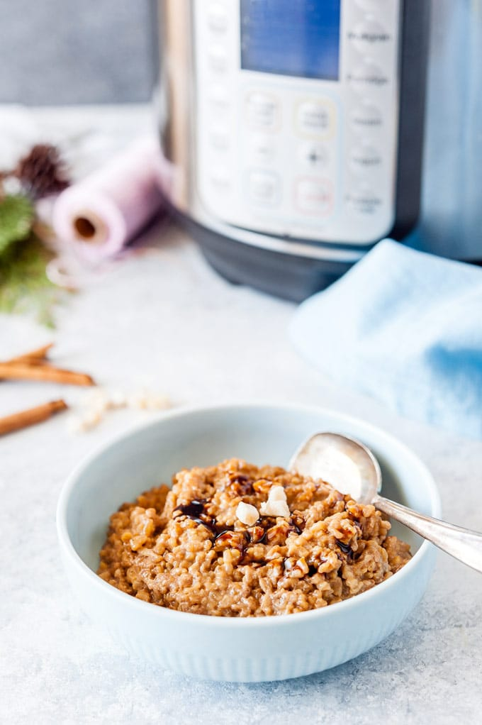 Bowl of Instant Pot Gingerbread Steel-Cut Oats.