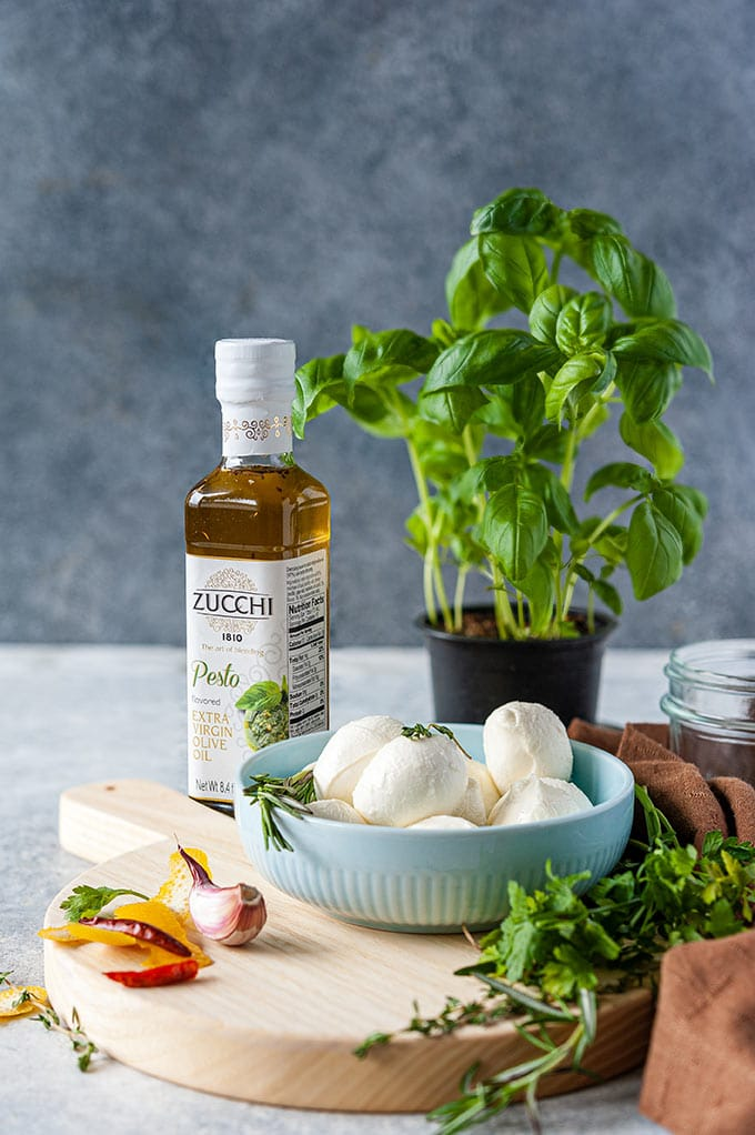 All the ingredients used to make Marinated Mozzarella Balls.